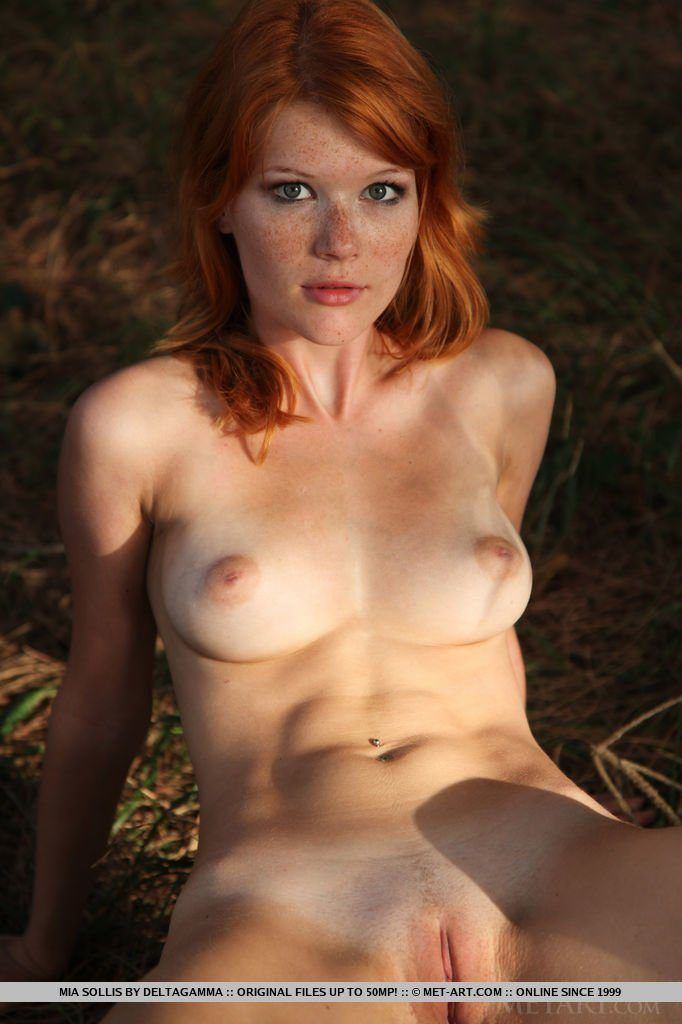 Nude sexy natural redhead